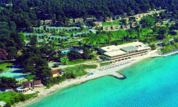 Sani Beach Club ★★★★★